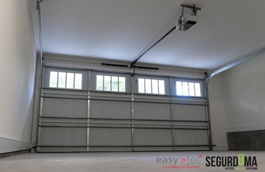 Automatismos easy tec para puertas de garaje tecnolog a moderna alta seguridad y manejo f cil - Automatismos para puertas de garaje ...