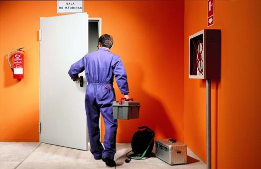 Mantenimiento de puertas peatonales cortafuego hacia un control o registro del instalador de - Mantenimiento puertas de garaje ...