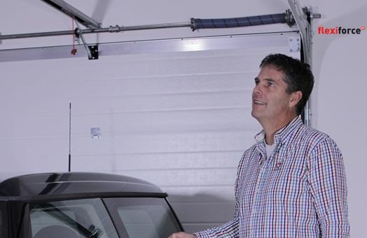herrajes para puertas de garaje: